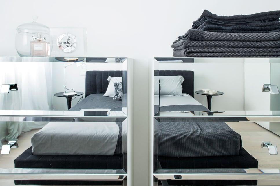 tutte-le-soluzioni-per-ottimizzare-lo-spazio-del-tuo-appartamento-pareti_in_vetro_porte_scorrevoli_blog_arredo-dal_pozzo.jpg