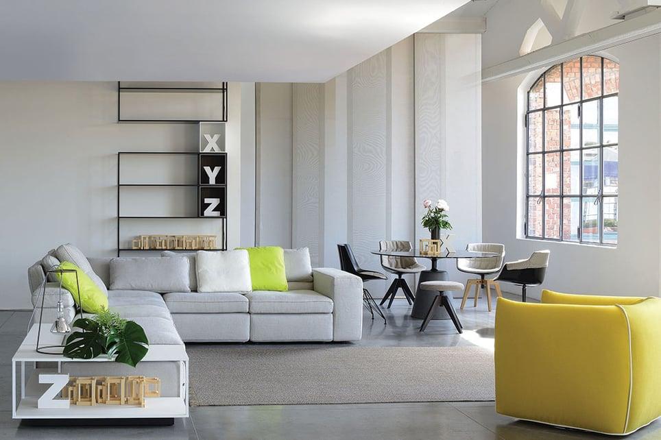 Arredamento di design del soggiorno con Cassina