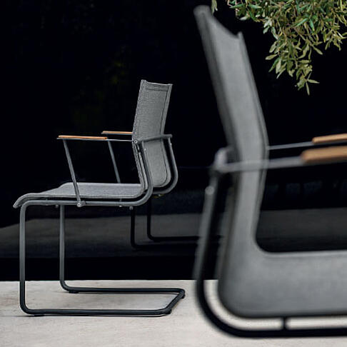arredo-dal-pozzo-forniture-per-la-ristorazione-e-hotel-outdoor-design-con-gloster-11.jpg