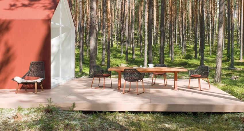 Kettal-Arredo-dal-pozzo-Come-progettare-tavoli-e-sedie-da-giardino-con-i-colori-di-Kettal-01.jpg