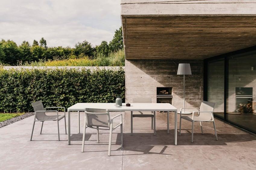 Kettal-Arredo-dal-pozzo-Come-progettare-tavoli-e-sedie-da-giardino-con-i-colori-di-Kettal-09.jpg
