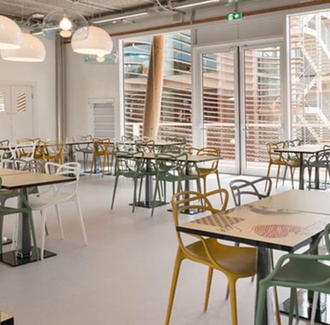 quali-sedie-usare-per-grandi-ricevimenti-o-forniture-per-la-ristorazione-9