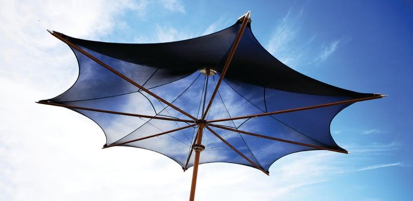 ad-arredo-dal-pozzo-consigli-su-come-scegliere-ombrellone-tuuci-colori-della-natura.png