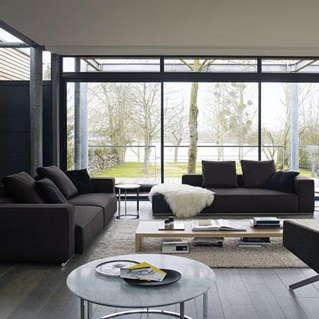 come-arredare-un-soggiorno-con-divani-colore-grigio-dal-pozzo-6-1