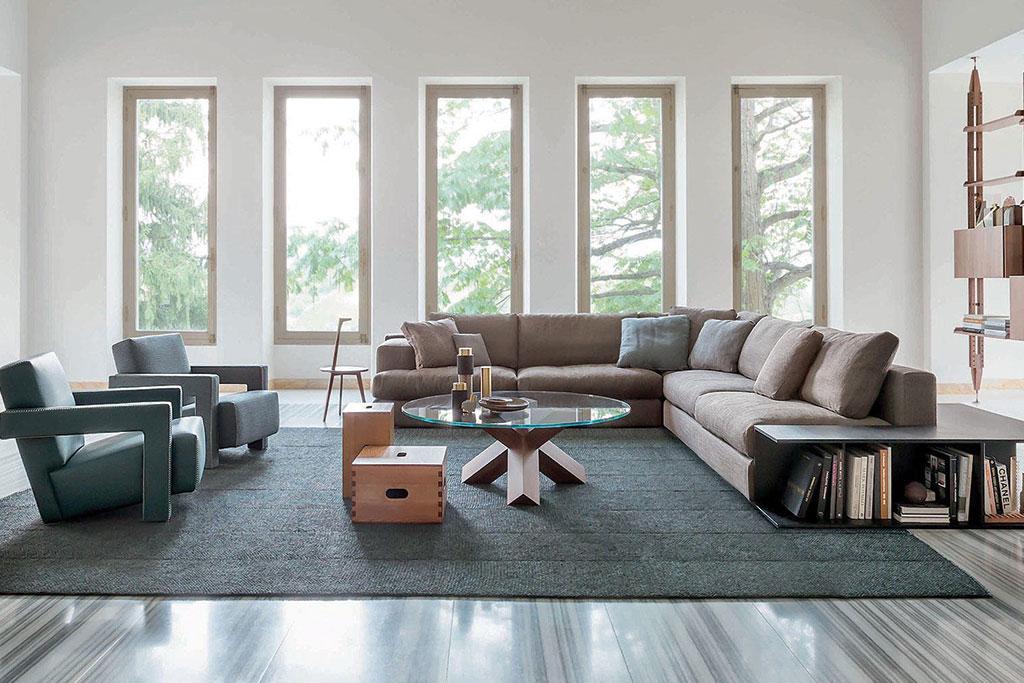 Come arredare la casa di vacanza in stile moderno con cassina for Come arredare la casa